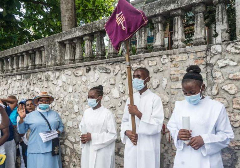 Secuestran en Haití a varios religiosos católicos, incluidos dos franceses