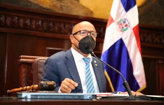 Alfredo Pacheco dice en propuesta del Código Penal, penalizarán comercialización de alcohol adulterado