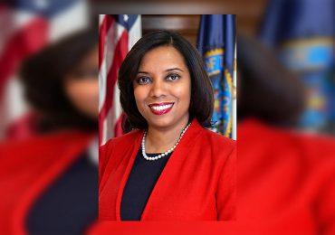Senado de Rhode Island juramenta a dominicana Sabina Matos como vicegobernadora