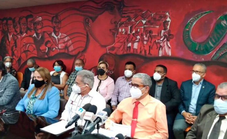 CMD y 53 Sociedades Médicas ratifican marcharán al CNSS y ADARS este 14 de abril