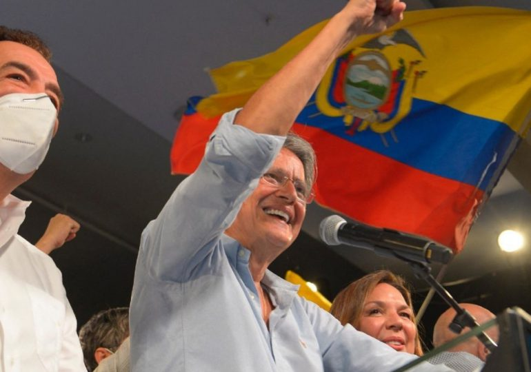 Lasso gana presidencia de Ecuador con ventaja de 4,72% al concluir escrutinio
