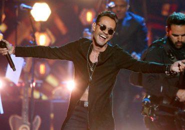 Fanáticos perdonan a Marc Anthony el plantón de anoche por concierto gratuito