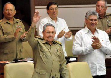 Raúl Castro anuncia retiro como primer secretario del Partido Comunista