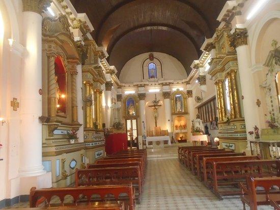 Católicos argentinos celebran la Pascua al aire libre por pandemia