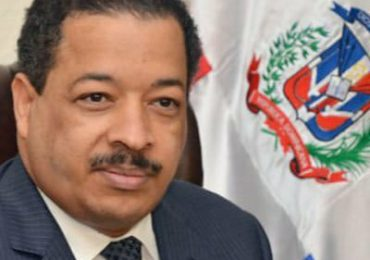 Roberto Rosario exhorta elegir a quien tengan mayor preparación para Defensor del Pueblo