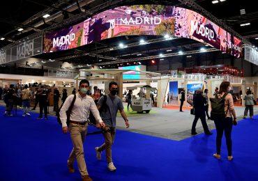Feria turística en Madrid recibe a una multitud de visitantes