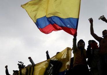 Ministro de Hacienda de Colombia renuncia tras seis días de protestas en su contra