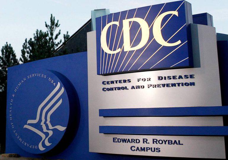 Los CDC admiten que calcularon mal el riesgo de transmisión de Covid al aire libre; dicen que es el 1% o menos