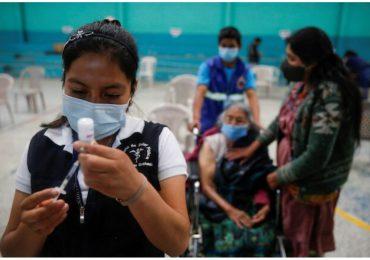Manifestantes reclaman en Guatemala renuncia del presidente por escasez de vacunas contra covid