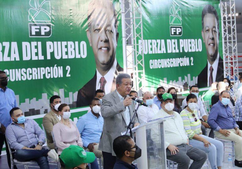 La Fuerza del Pueblo juramenta miembros del CC y presidentes de Comités de Distritos Municipales en Santiago