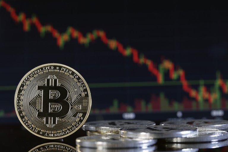 Bitcoin se derrumbó y arrastró consigo al resto de las criptomonedas