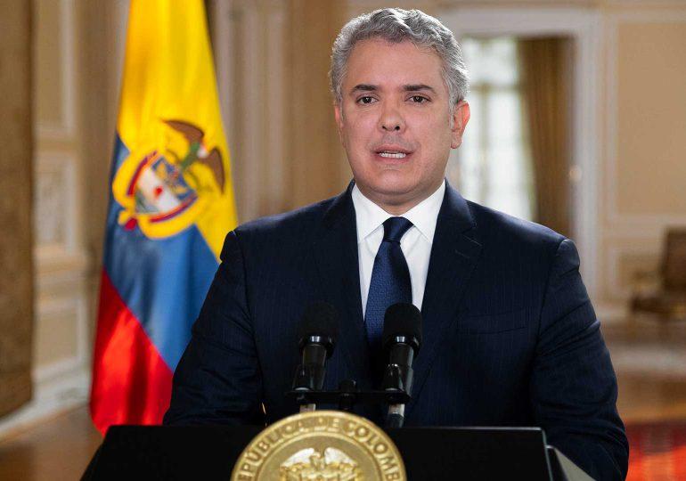Iván Duque pide retirar reforma tributaria que provocó masivas protestas en Colombia