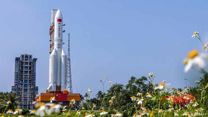 Cohete chino regresa a la Tierra y pronostican caerá en el Pacífico