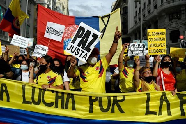 Miles de colombianos desfilan en Madrid en solidaridad con protestas en su país
