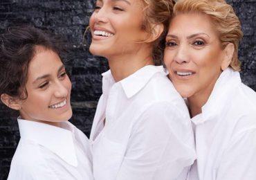 JLo promociona con su madre e hija su línea de productos