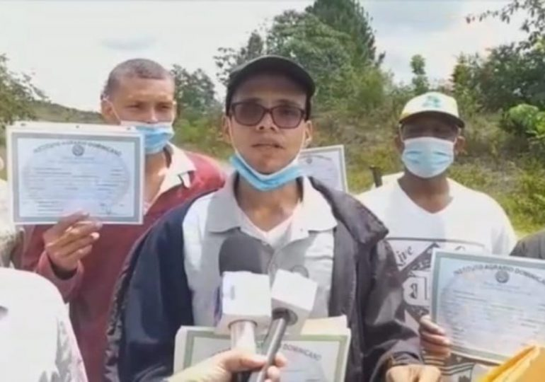 Denuncian abuso y maltrato por funcionarios y militares en contra de los campesinos de Sabana Grande de Boyá