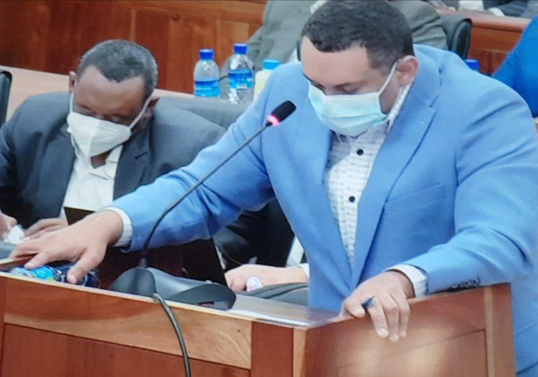 Girón Jiménez desenmascara entramado de corrupción que funcionaba en Cestur y CUSEP
