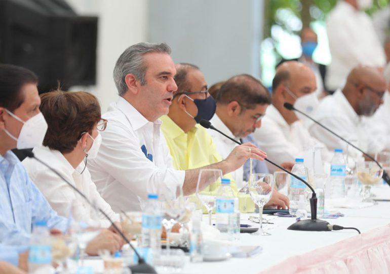 Gobierno anuncia apoyará desarrollo de empresas que utilicen materia prima local