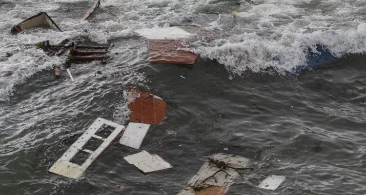 Tres muertos al volcarse una embarcación de contrabando frente a California
