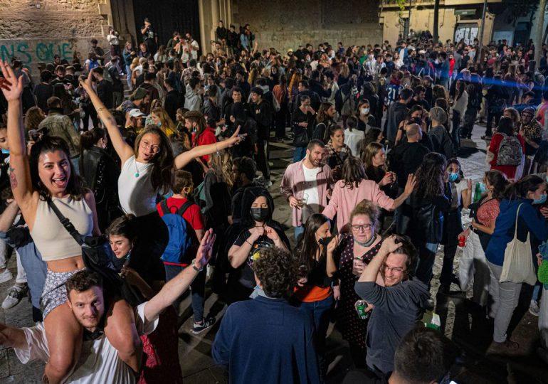 """Tras el regreso de las fiestas, el gobierno español pide """"responsabilidad"""""""