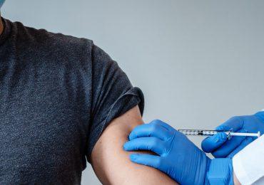 RD comienza a vacunar contra el Covid a todos los mayores de 18 años