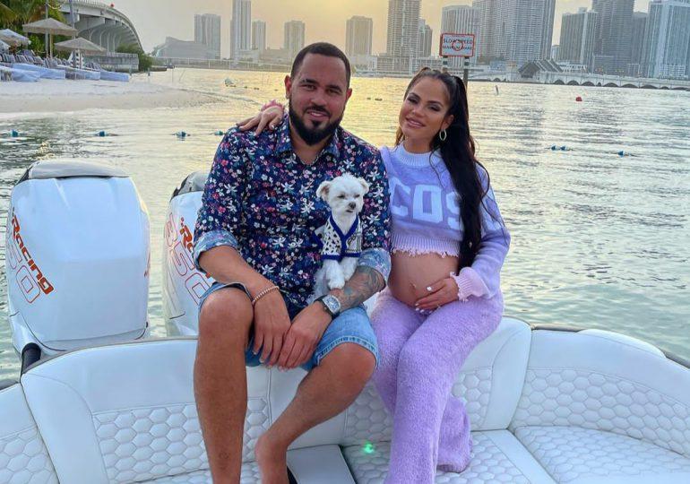 Natti y Raphy Pina desmienten rumores del nacimiento de su bebé