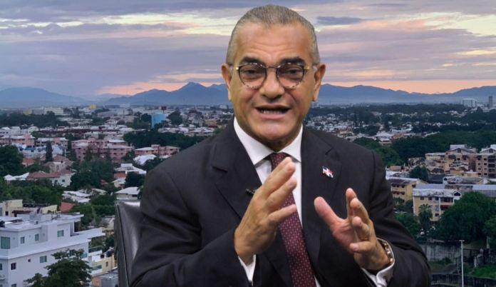 Carlos Gabriel exhorta al presidente Abinader ser prudente con reforma fiscal