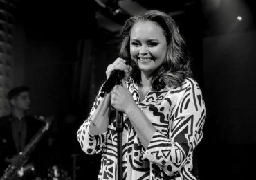 Shaila Dúrcal rinde tributo a su madre, Rocío Dúrcal, a través de un concierto virtual