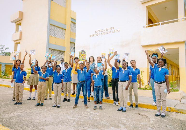 Fundaciones entregan materiales educativos a red de bibliotecas de Hatillo