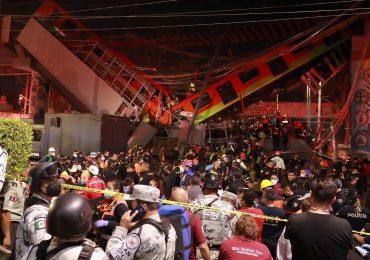 Familiares de víctimas de accidente del metro en México piden justicia a la fiscalía