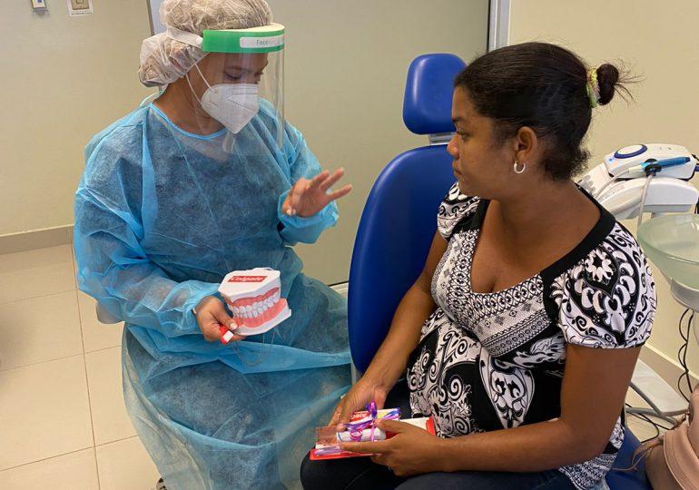 Colgate realiza jornadas odontológicas en hospitales materno-infantiles