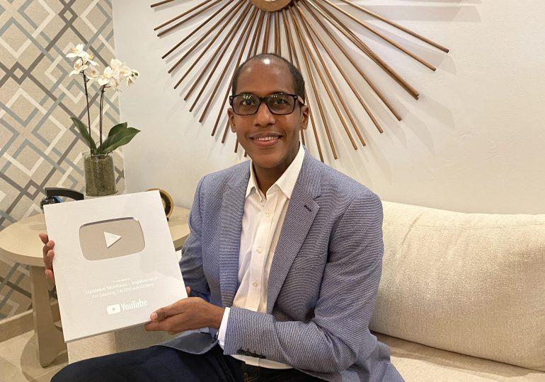 Hiddekel Morrison recibe Premio de Plata de YouTube