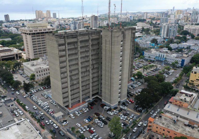 Interior y Policía ordena a exfuncionarios devolver de inmediato armas de fuego asignadas
