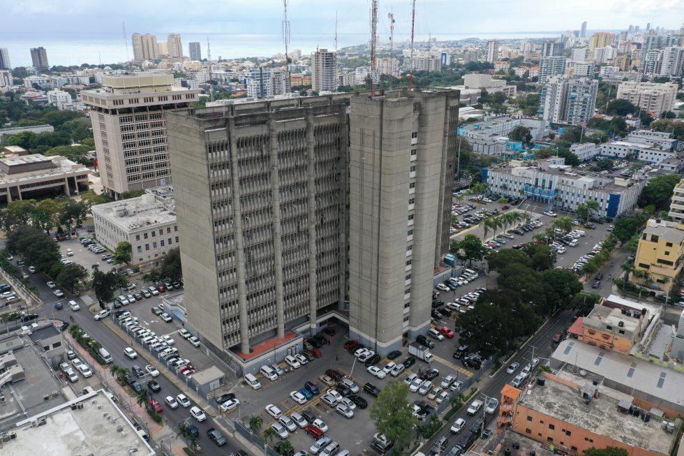 Interior y Policía ordena a ex funcionarios devolver de inmediato armas de fuego asignadas