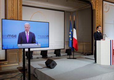 Macron insta a EEUU y Reino Unido a no bloquear exportación de vacunas