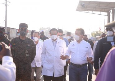 MICM, MIDE y Salud Pública recorren mercado de Dajabón para reforzar medidas contra Covid-19