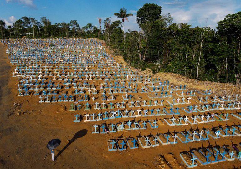 Brasil supera los 450,000 muertos por covid y teme una tercera ola