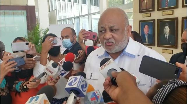 VIDEO | Gabinete de Salud es quién tiene la decisión sobre el retorno a las aulas, dice Roberto Fulcar