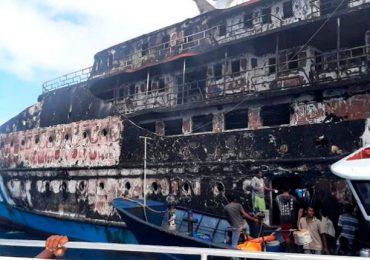 Casi 300 personas rescatadas en Indonesia tras incendio en un ferry
