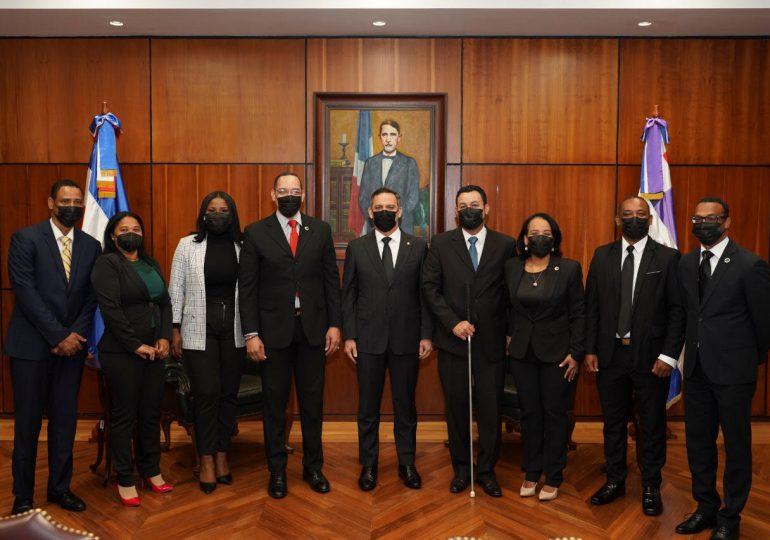 Presidente Suprema Corte de Justicia se reúne con Defensores Públicos