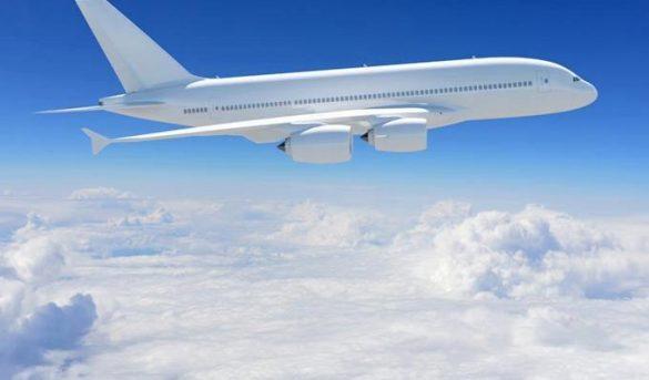 El tráfico aéreo de pasajeros ralentiza su caída en marzo