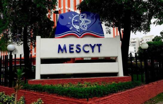 MESCYT anuncia profesores de universidades podrán vacunarse a partir de este lunes