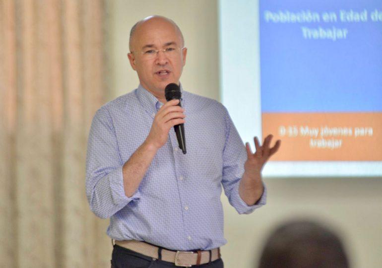 """Domínguez Brito: """"Hay que impulsar políticas públicas para fomentar la creación de empleos de calidad"""""""