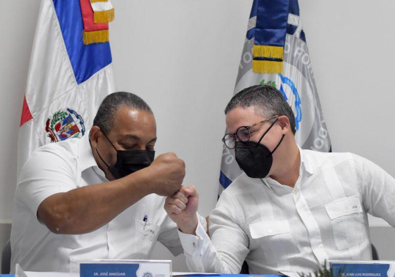 Firman un acuerdo para garantizar limpieza en el corredor logístico del puerto