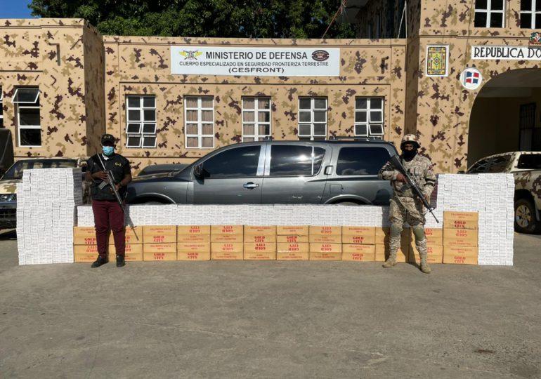 VIDEO | CESFRONT detiene jeepeta con más de 400 mil unidades de cigarrillos de contrabando en Montecristi