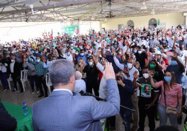 Leonel Fernández juramenta nuevos miembros en la FP en San Cristóbal