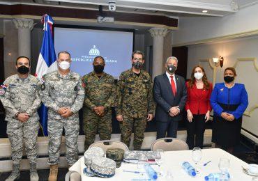 Ministerios de la Presidencia y Defensa acuerdan incluir militares al Plan Nacional de Viviendas Familia Feliz