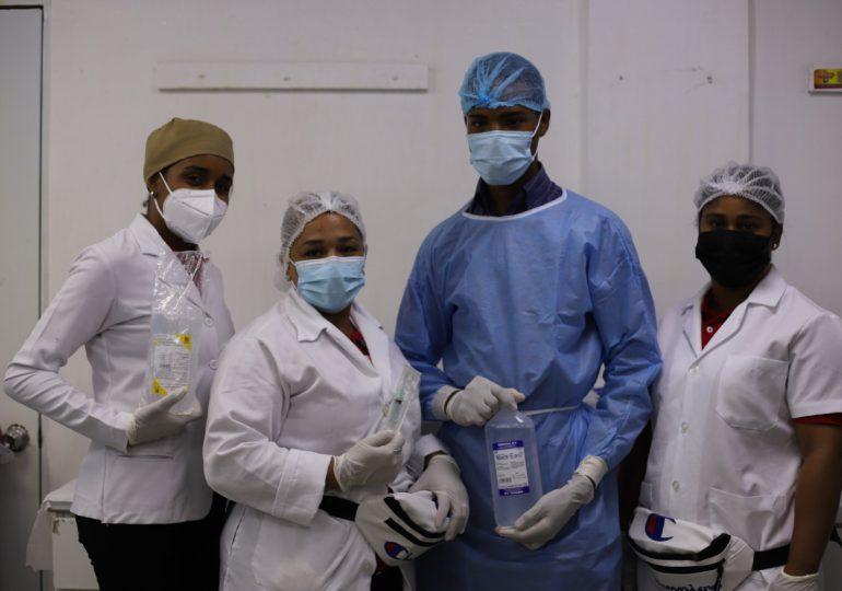 Enfermeros del Moscoso Puello celebran su día