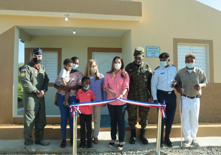 MIDE, CESFRONT y ADEOFA, entregan tres viviendas a soldados