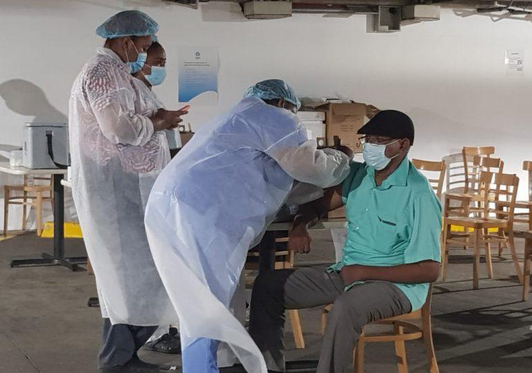 Cambian horario de vacunación contra el COVID-19 en La Sirena de la Churchill